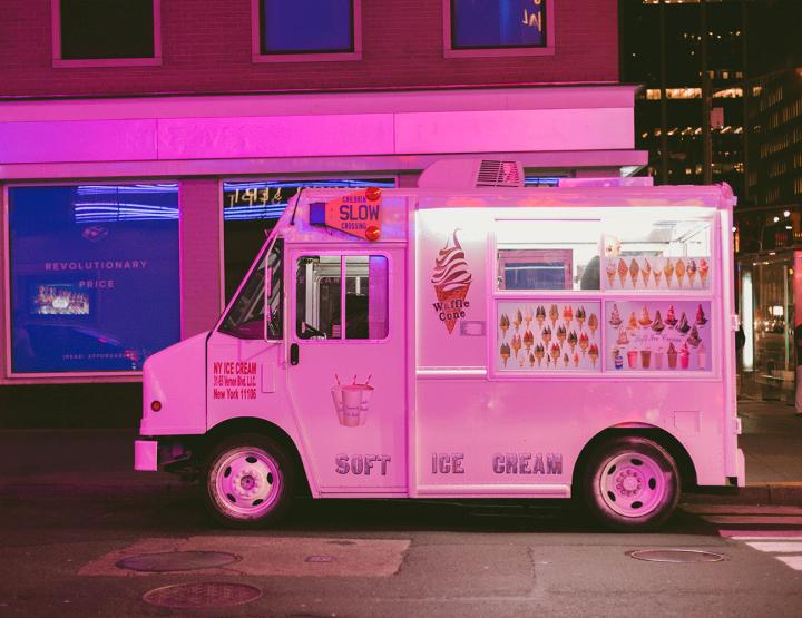 10 Food trucks we love!
