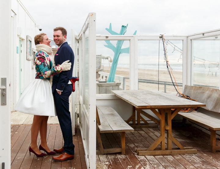 Verrassend: hoe een winterbruiloft aan zee romantisch kan zijn