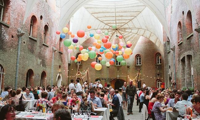 De Belgische Toon en Lien trouwen in een fort (en het is fantastisch!)