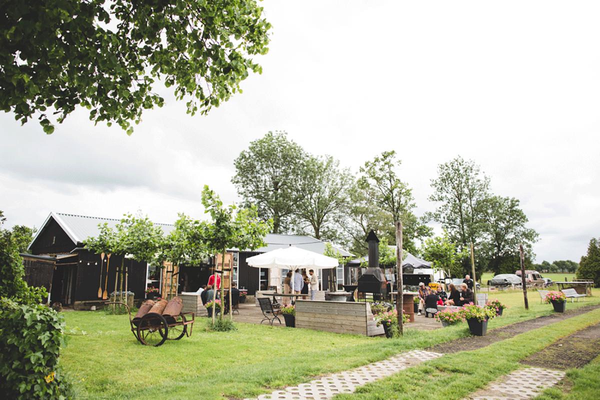 Bohemian-bruiloft-Remy-&-Jessy-Pam-door-Nienke-van-Denderen-Fotografie-98