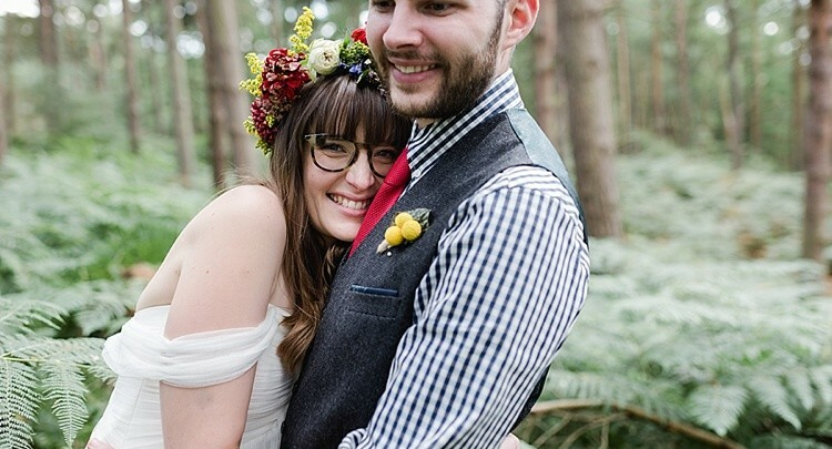 Contactlenzen? Deze bruiden rocken hun bril echt helemaal!