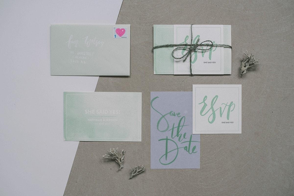 Trouwkaarten-set-5-Studio-Lona-groen-minimalistisch-1