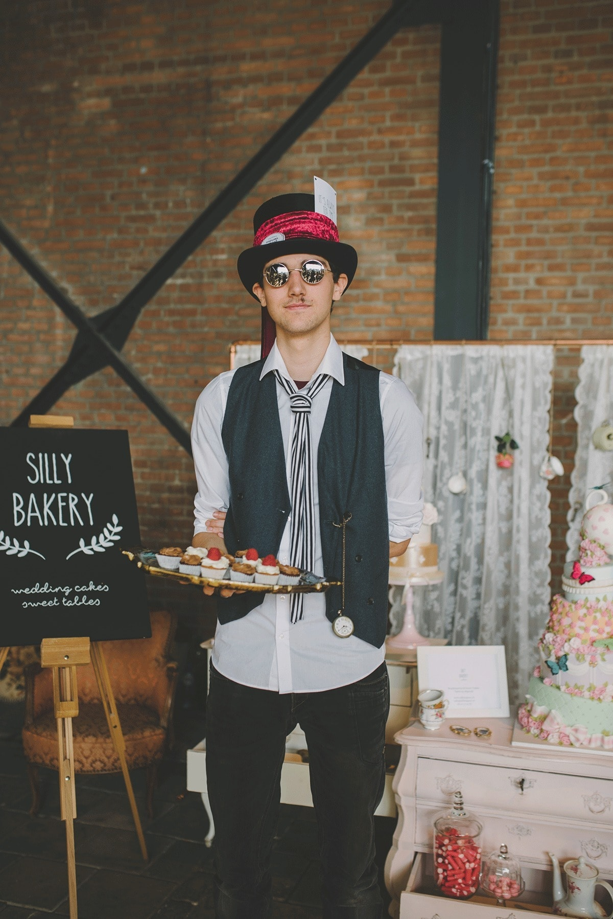silly-bakery-bruidstaart-en-sweet-table-bij-engaged-47