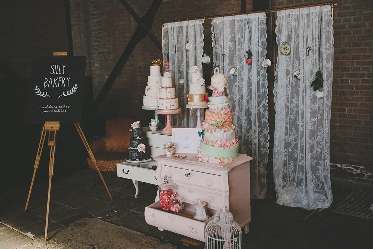 silly-bakery-bruidstaart-en-sweet-table-bij-engaged-50