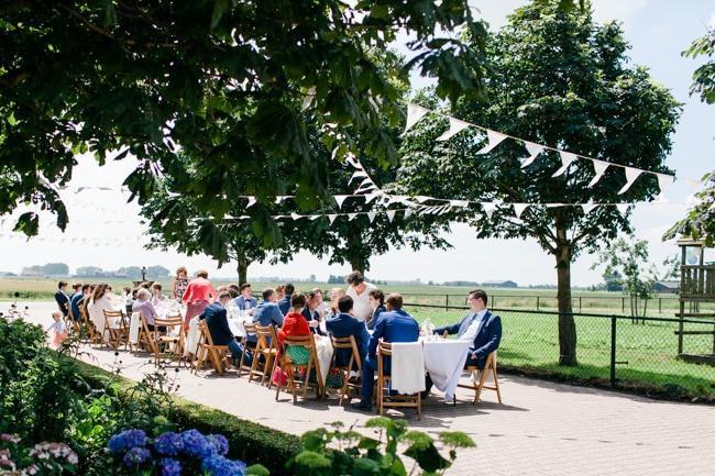 bruiloft-in-eigen-tuin-8