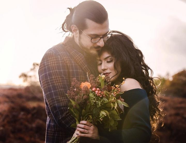 Prachtige verlovingsfoto's met een echt hert!