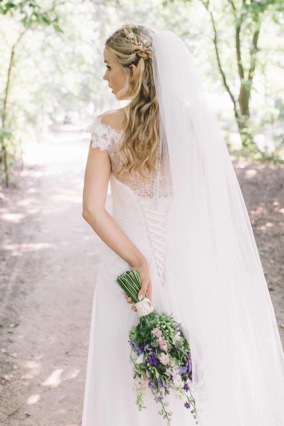 bruidskapsel-kapsel-vlecht-nonchalant-krullen