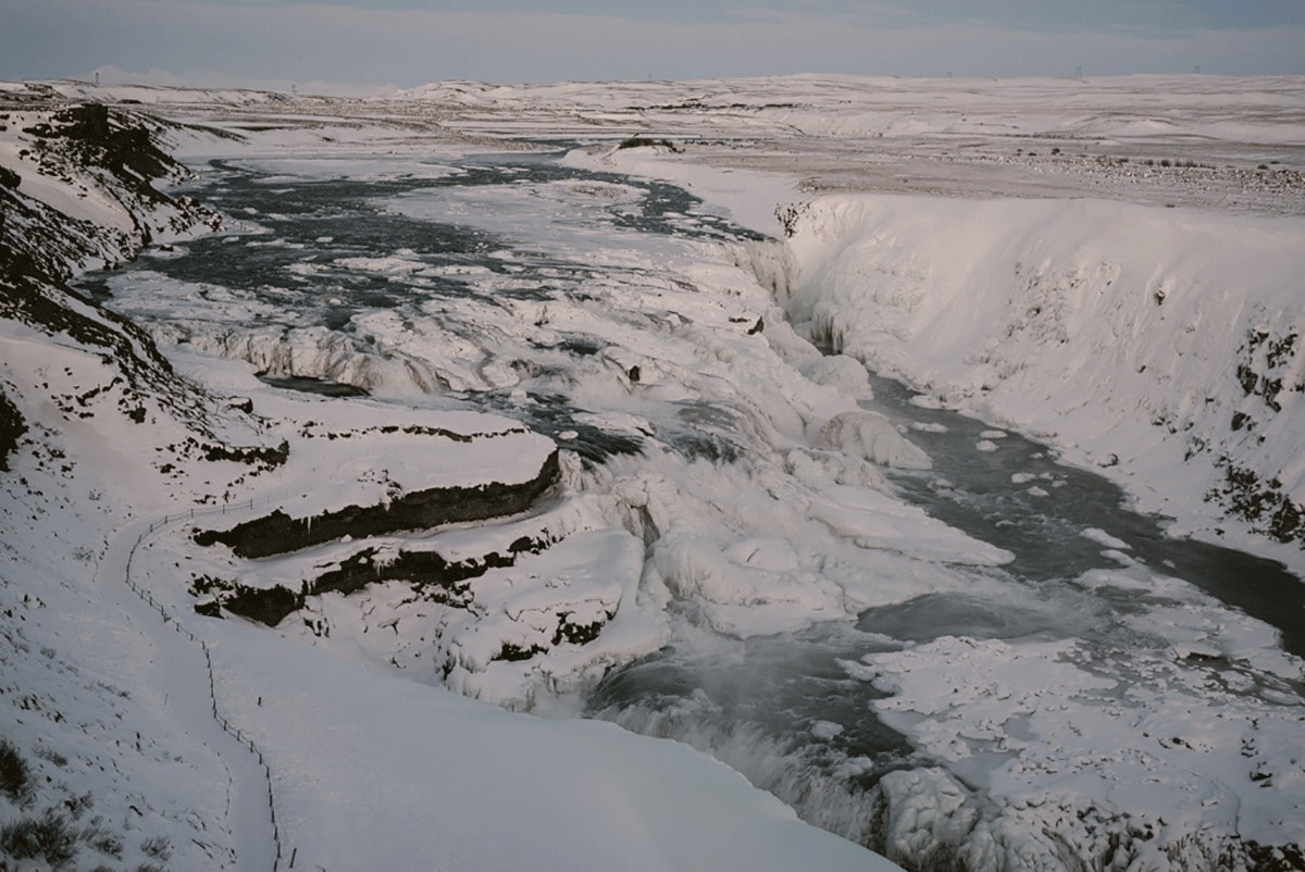 for-love-we-live-huwelijksreis-naar-ijsland-trouwfotograaf-rotterdam-girls-of-honour-honeymoon-ijsland-22