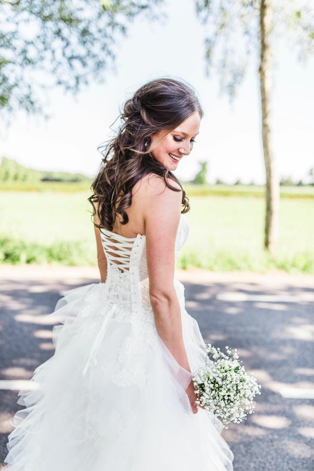 half-opgestoken-haar-kapsel-bruidskapsel