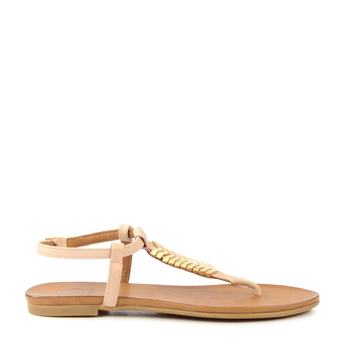 nude-sandalen-met-gouden-details-trouwschoenen-sascha