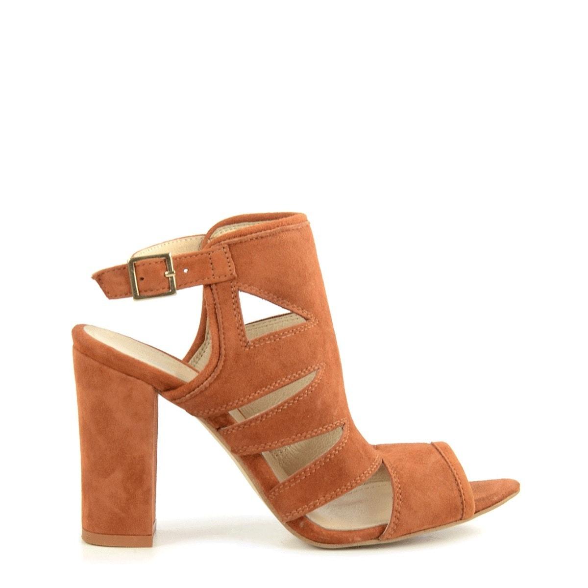 suede-sandalen-met-hak-trouwschoenen-sascha