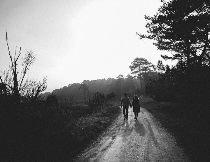Een loveshoot in het bos om vast te oefenen met je fotograaf!