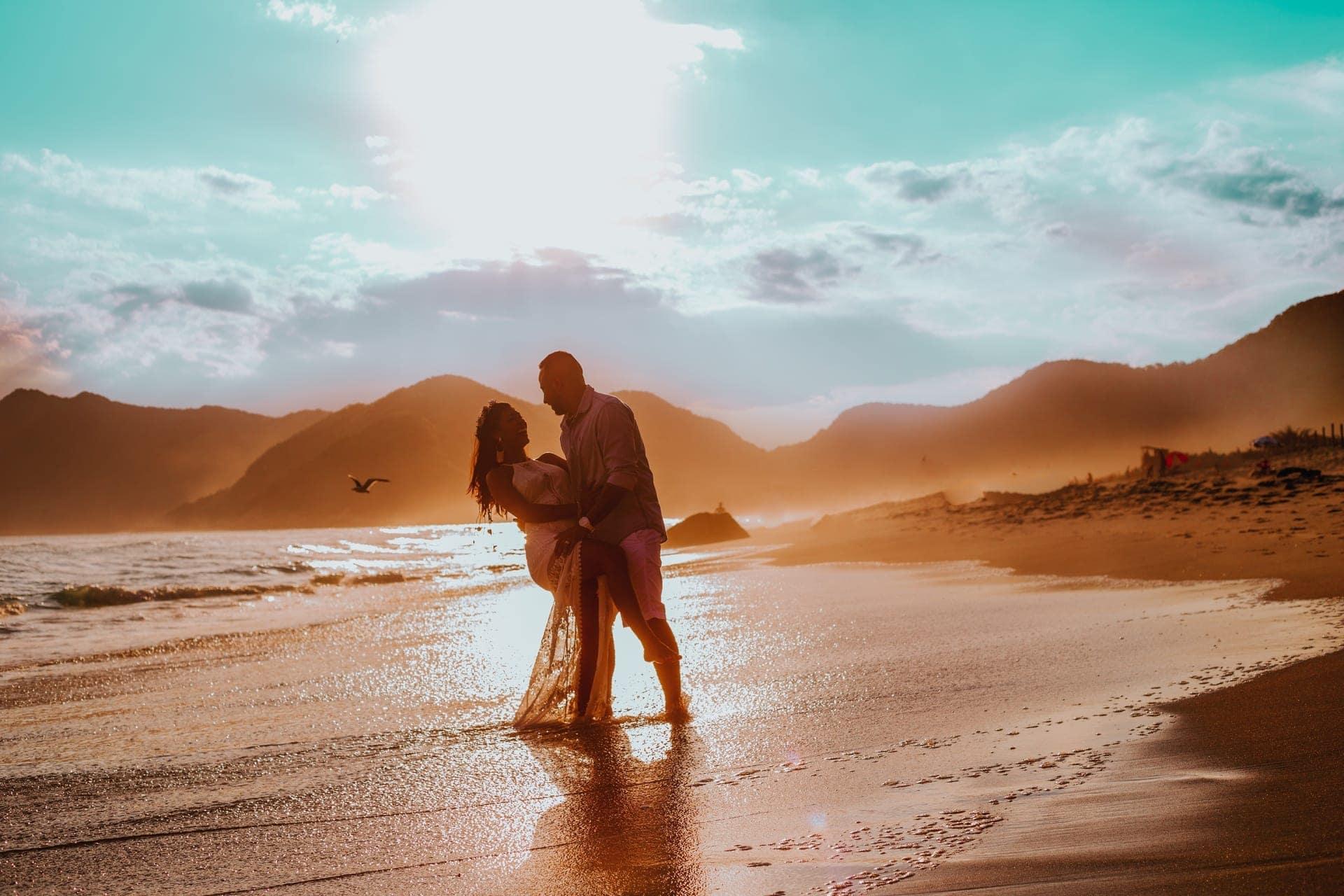 huwelijksreis strand bruiloft strandbruiloft honeymoon beach wedding