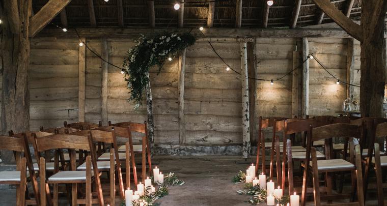 Romantisch trouwen in een boerderij in Nederland
