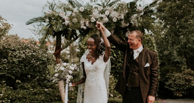 Deze bruiloft met botanische styling is echt een must-see