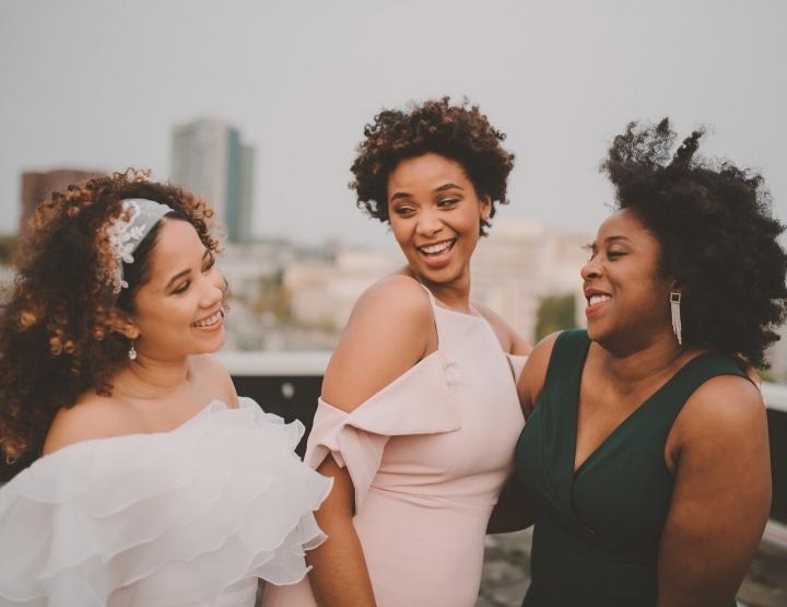 Haarinspiratie: Bruidskapsels voor krullend en kroeshaar