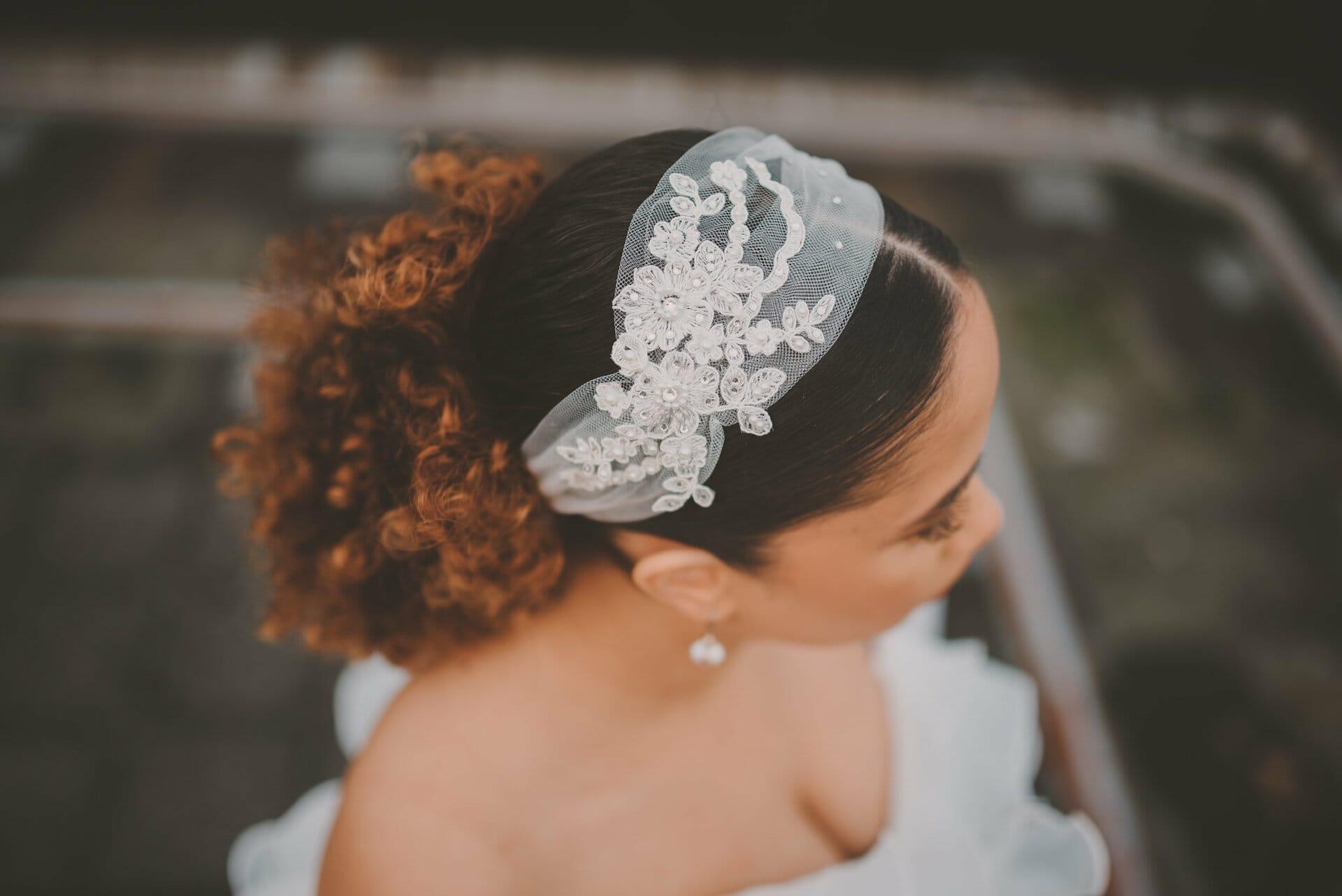 bruidskapsels voor krullend en kroeshaar