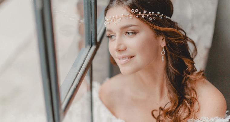 Inspiratie: beauty looks met prachtige head pieces en oorbellen