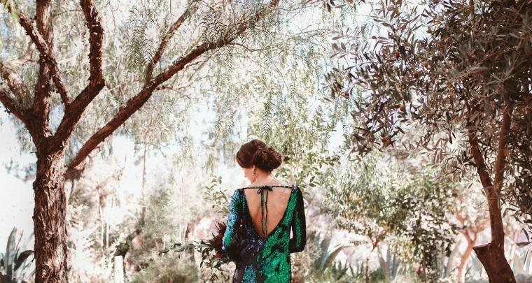 Deze inspiratie shoot met groene, glitter trouwjurk is een must-see!