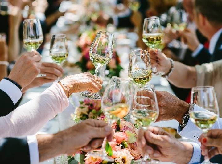 Tof idee: jullie persoonlijke wijn voor je bruiloft kiezen!