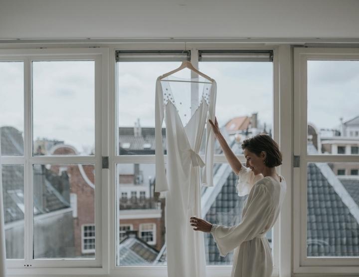 Inspiratie: de ochtend van je bruiloft (+ 5 wild at heart bridal trouwjurken!)