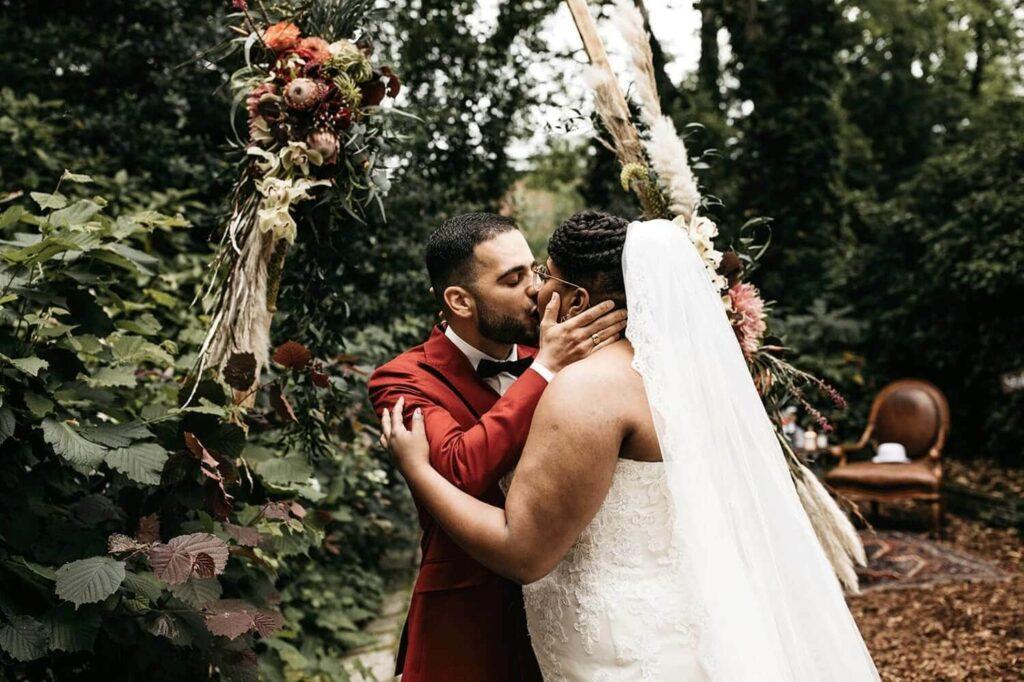bruiloft plannen waar beginnen trouwen inspiratie met twee culturen en curvy bruid