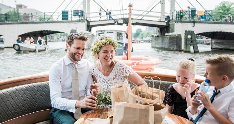 Bruiloft inspiratie: Kamperen bij de Olmenhorst en een boottocht met alle gasten