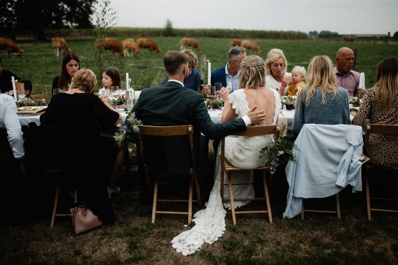 De Magische Tuin : Een boerderij bruiloft in de tuin van de moeder van de bruid