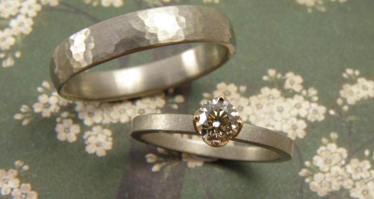 De 4 fases van handgemaakte trouwringen laten maken