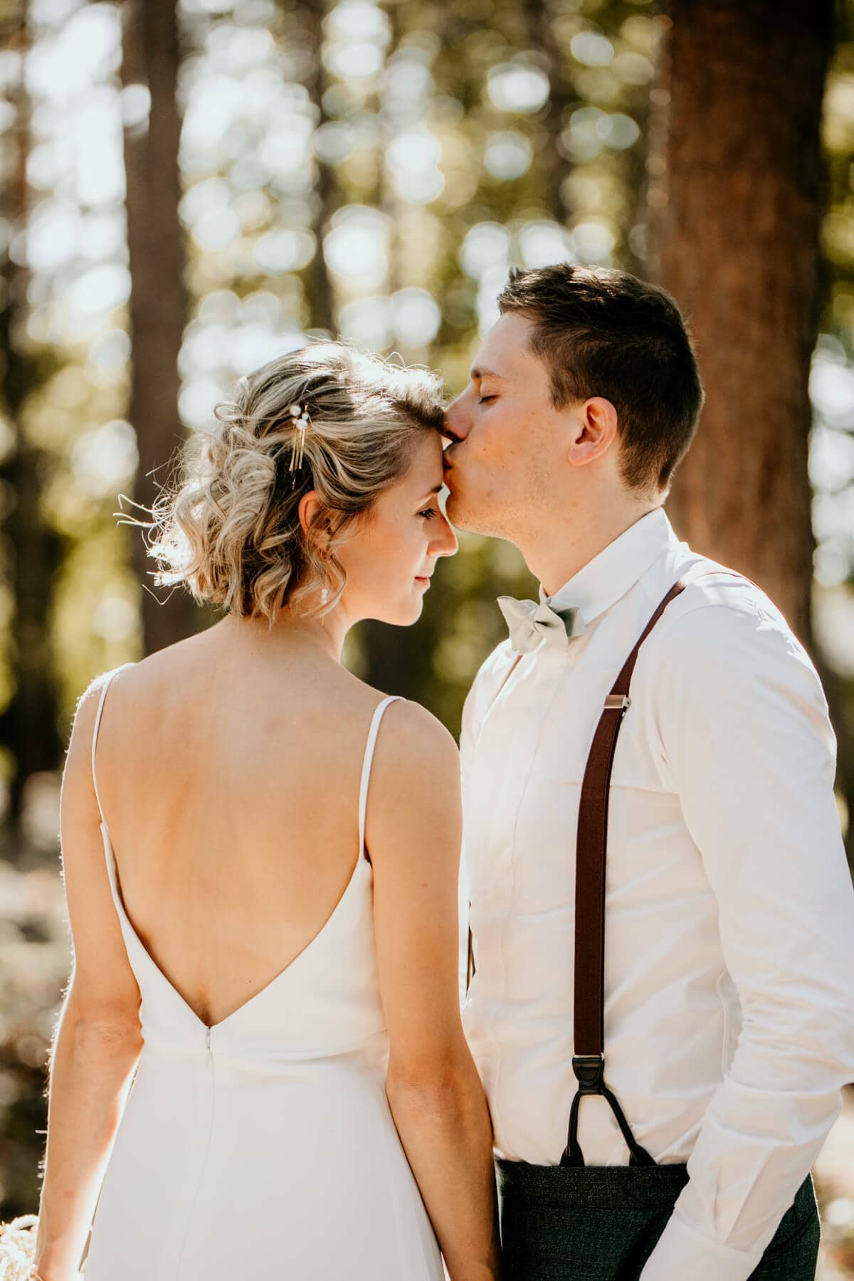 Stijlvolle minimalistische bruiloft