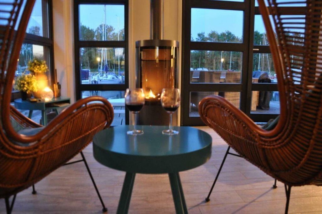 Deze afbeelding heeft een leeg alt-attribuut; de bestandsnaam is huwelijksreis-in-nederland-watervilla-zuiderhoeve-1-1024x682.jpg