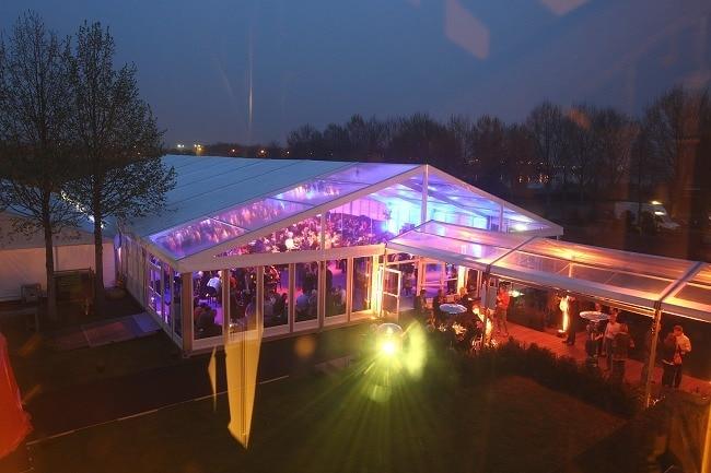 Bruiloft in een tent 1