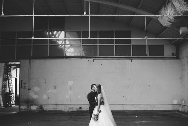 Girls of honour DIY bruiloft Ben & Joyce door Nienke van Denderen Fotografie-54
