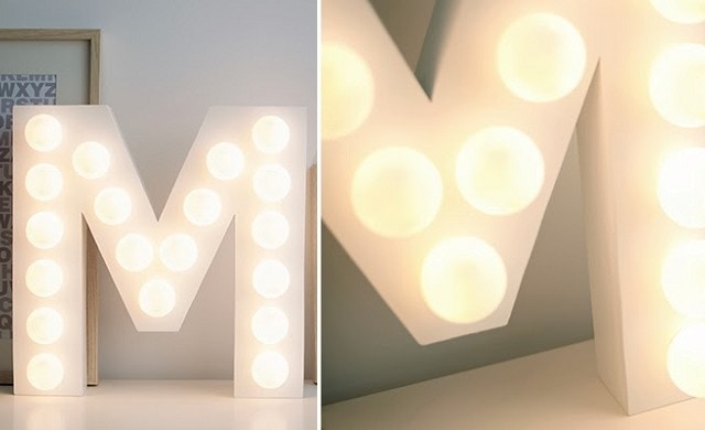 Letters met lampen